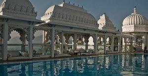 Бассейн в Hotel Udai Kothi, Индия
