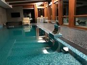 Строительство бассейна переливного типа